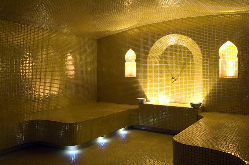 Hammam le bain d 39 epices lcdm for Salle de bain style hammam