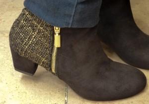 Boots en suédine doré Schubar 85€