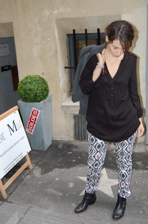 Pantalon 45€ 27€ Chemise 40€ 24€ Perfecto 80€ 48€ Pochette en cuir 45€