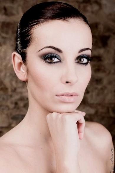 julie make up
