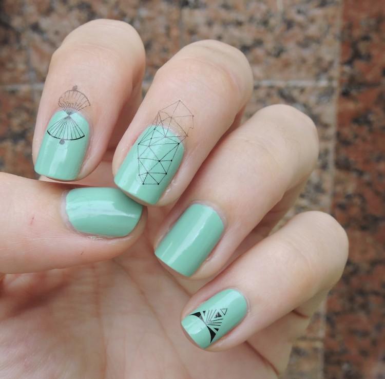 nail tatoo