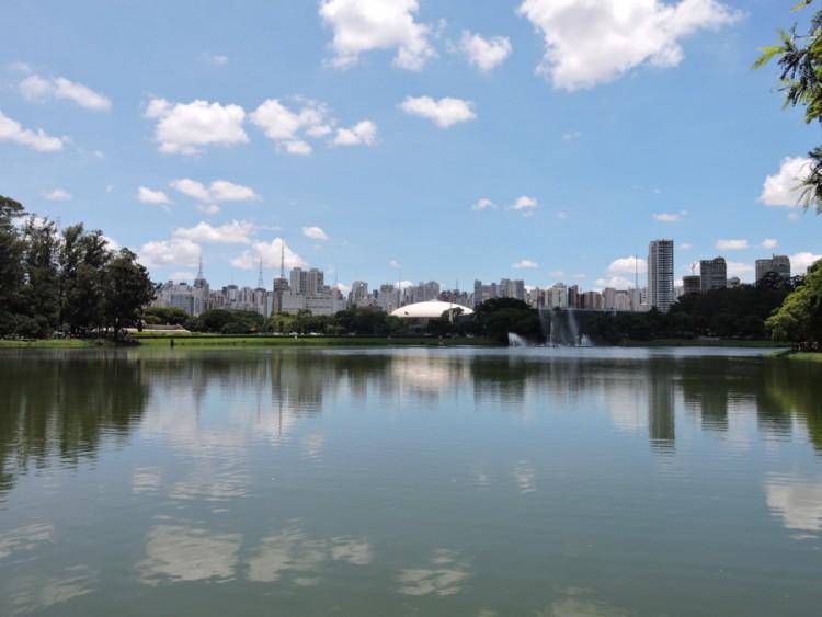 Au fond l'avenue Paulista