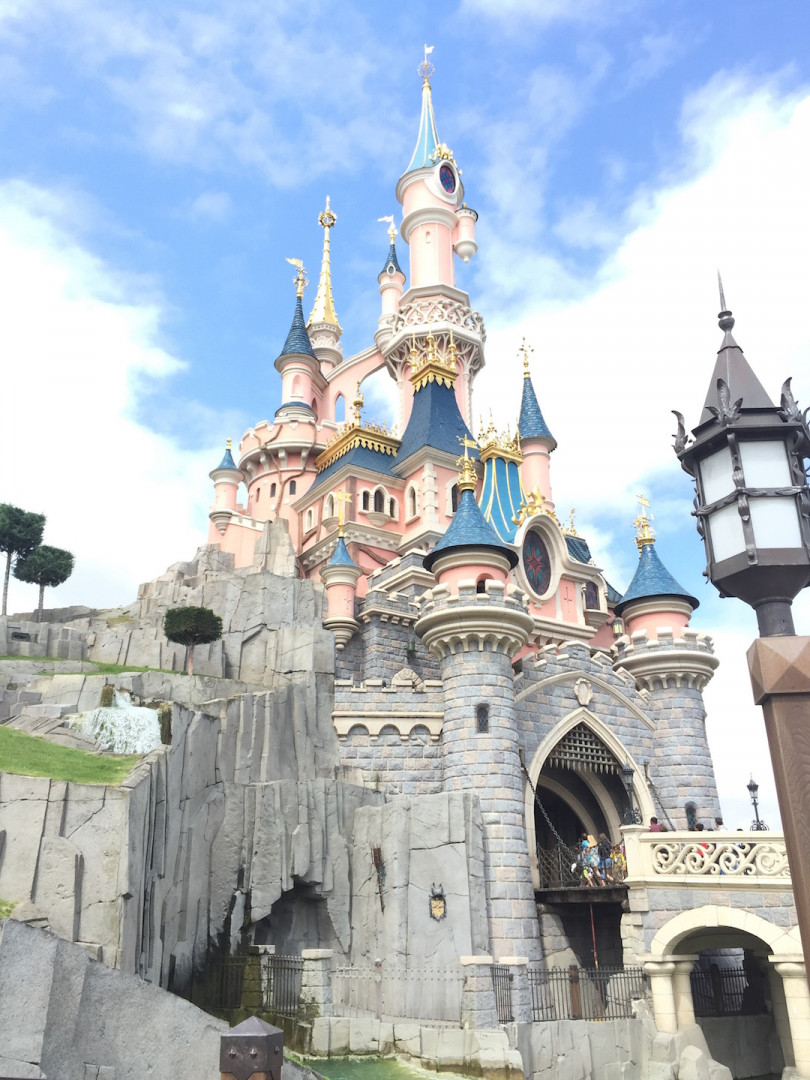 Disneyland-paris-mickey-walt-disney-2