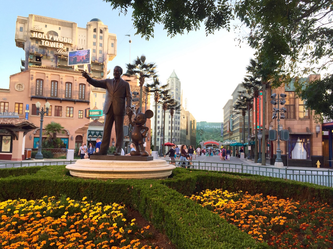 Disneyland-paris-mickey-walt-disney-8