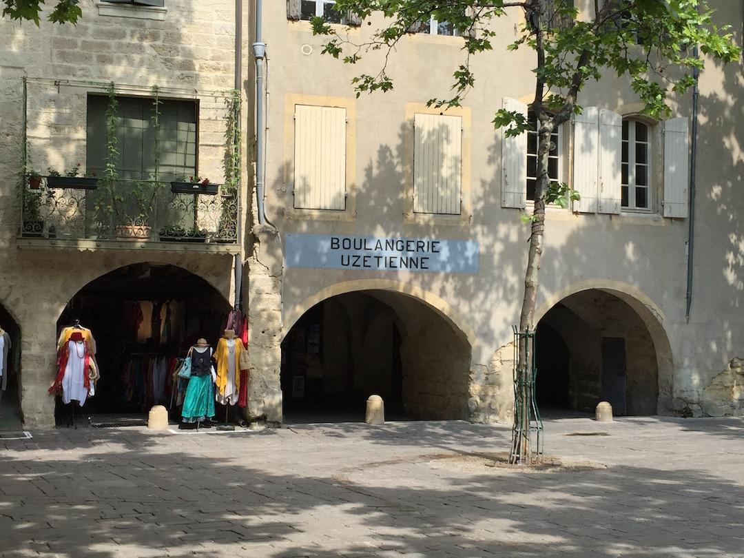 duche-uzes-gard-occitanie2
