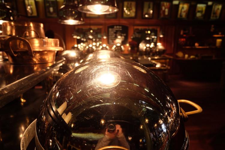Cloches pour les plats Narbonne au restaurant Les Grands Buffets
