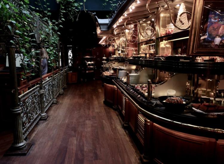 buffet des desserts restaurant Les Grands Buffets à Narbonne