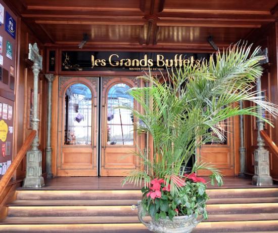 entrée du restaurant Les Grands Buffets