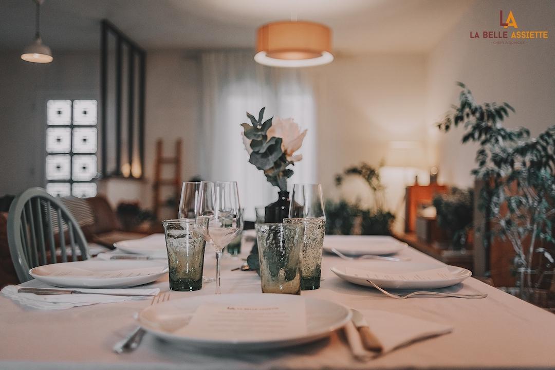 Belle table dressée pour La Belle Assiette
