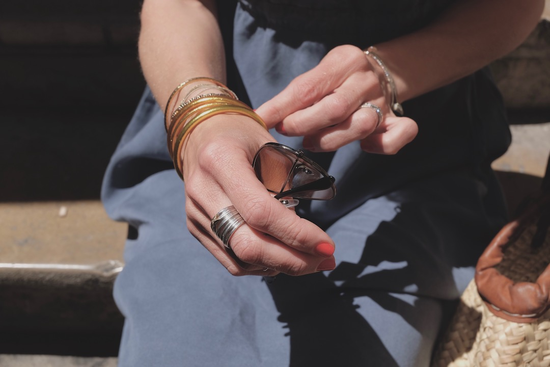 Bracelets baan or et plastique porte-bonheur