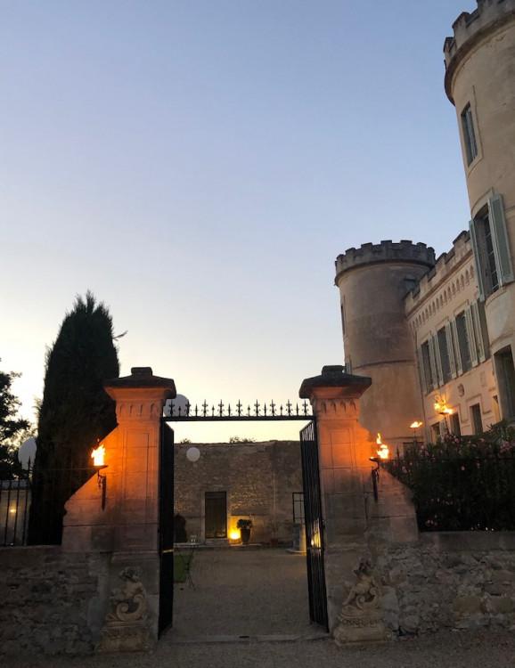 chateau de pouget proche de Nîmes evenement mariage vacances