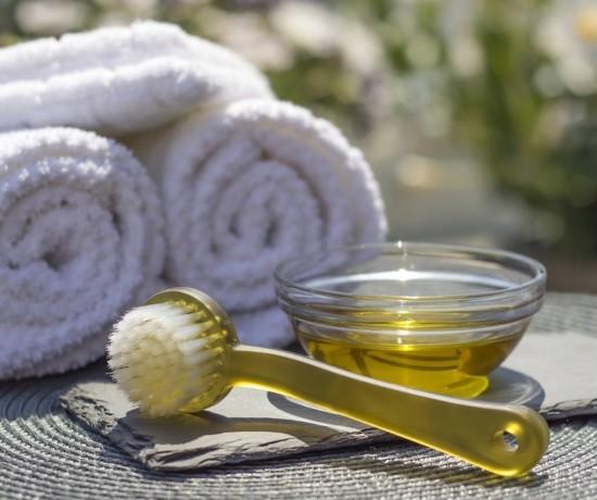 brosse visage et huile de soin