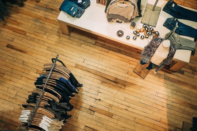 Vu du ciel, boutique de vêtements