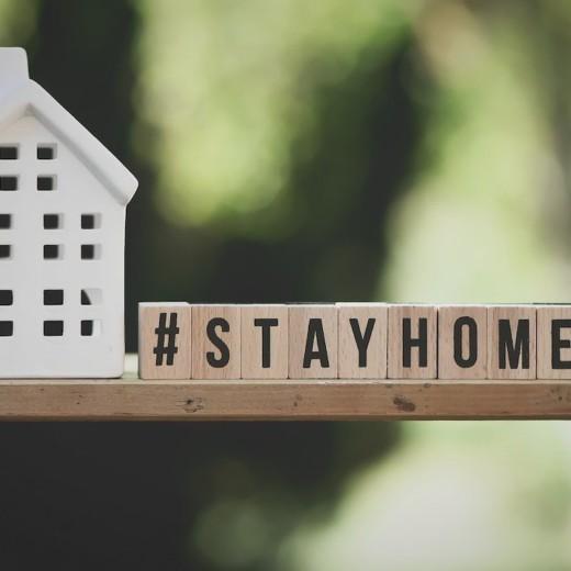 message de stay at home pour le confinement