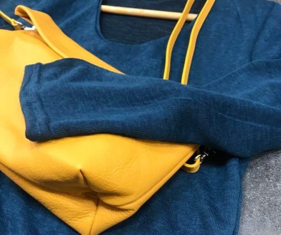 Sac Ripauste et pull bleu