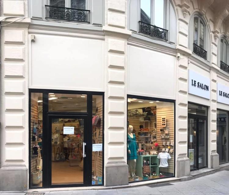 devanture de magasin MBF boutique à Bézier