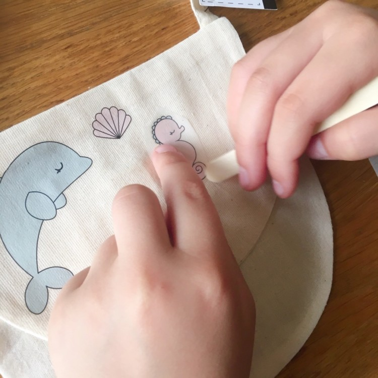 atelier pour enfants diy transfert sur tissus